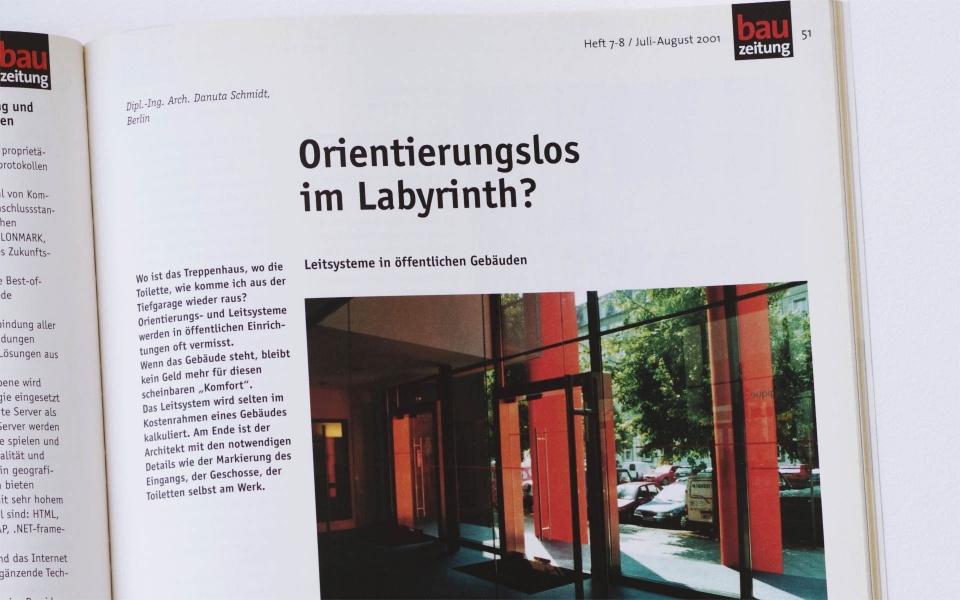 Bauzeitung Leitsystem Botschaft Beitrag