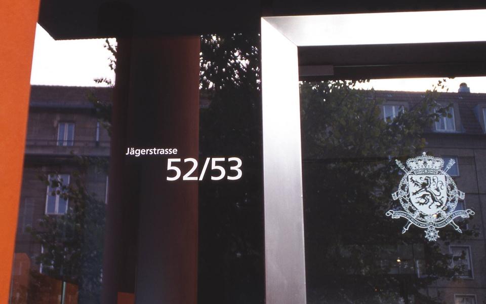 Belgische Botschaft Berlin Orientierungssystem Leitsystem Beschriftungen