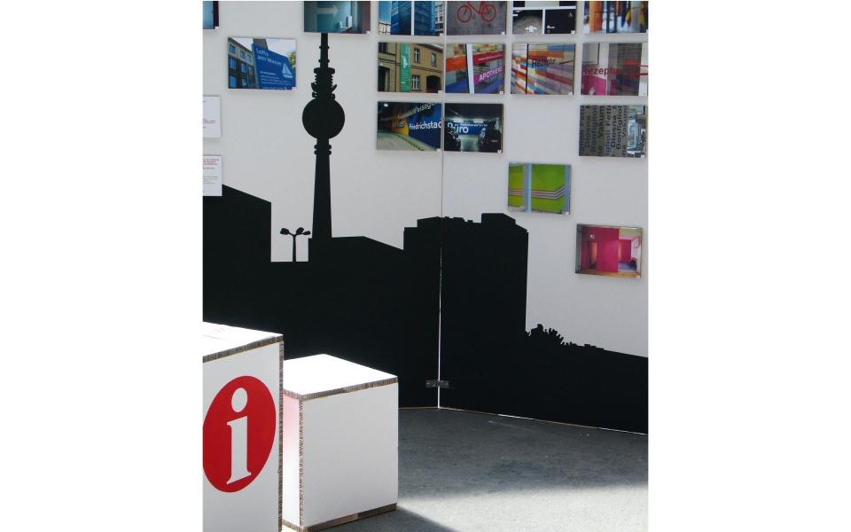Design Mai Ausstellung Grafik Design Messebau Public Design