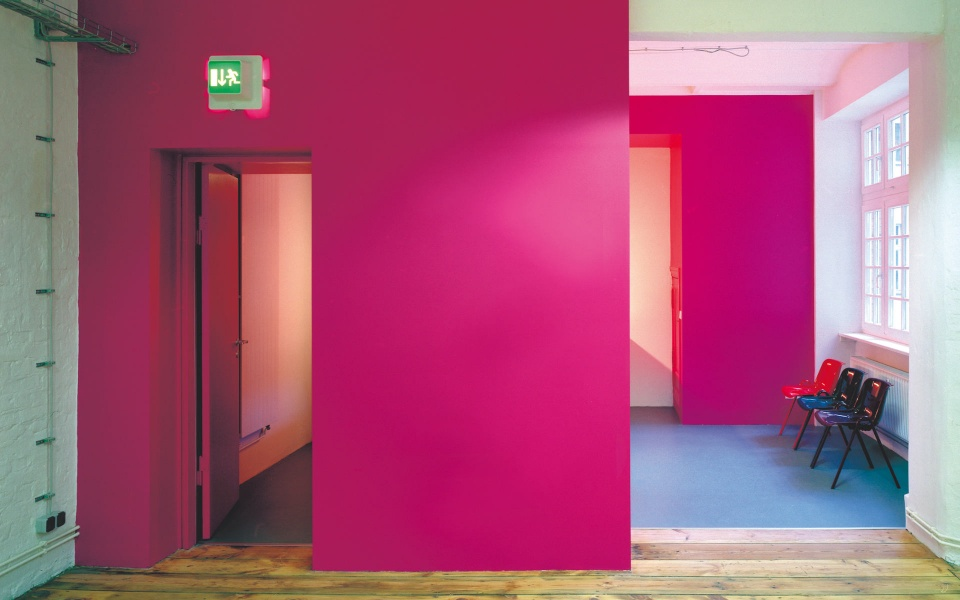 Farbgestaltung für Buerohaus Fassadengestaltung