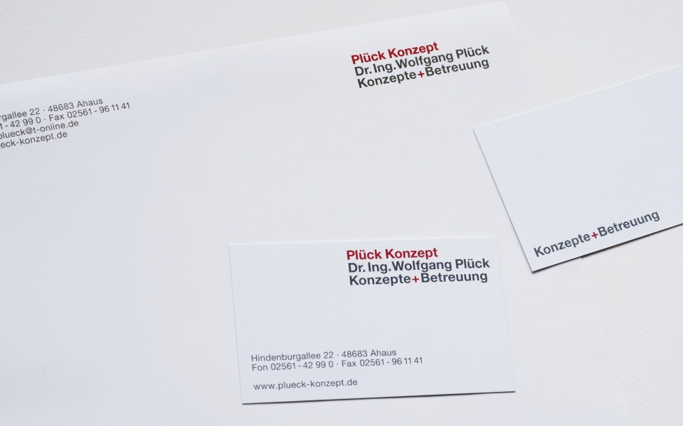 Plueck Konzept Corporate Design Briefausstattung Briefpapier Visitenkarten