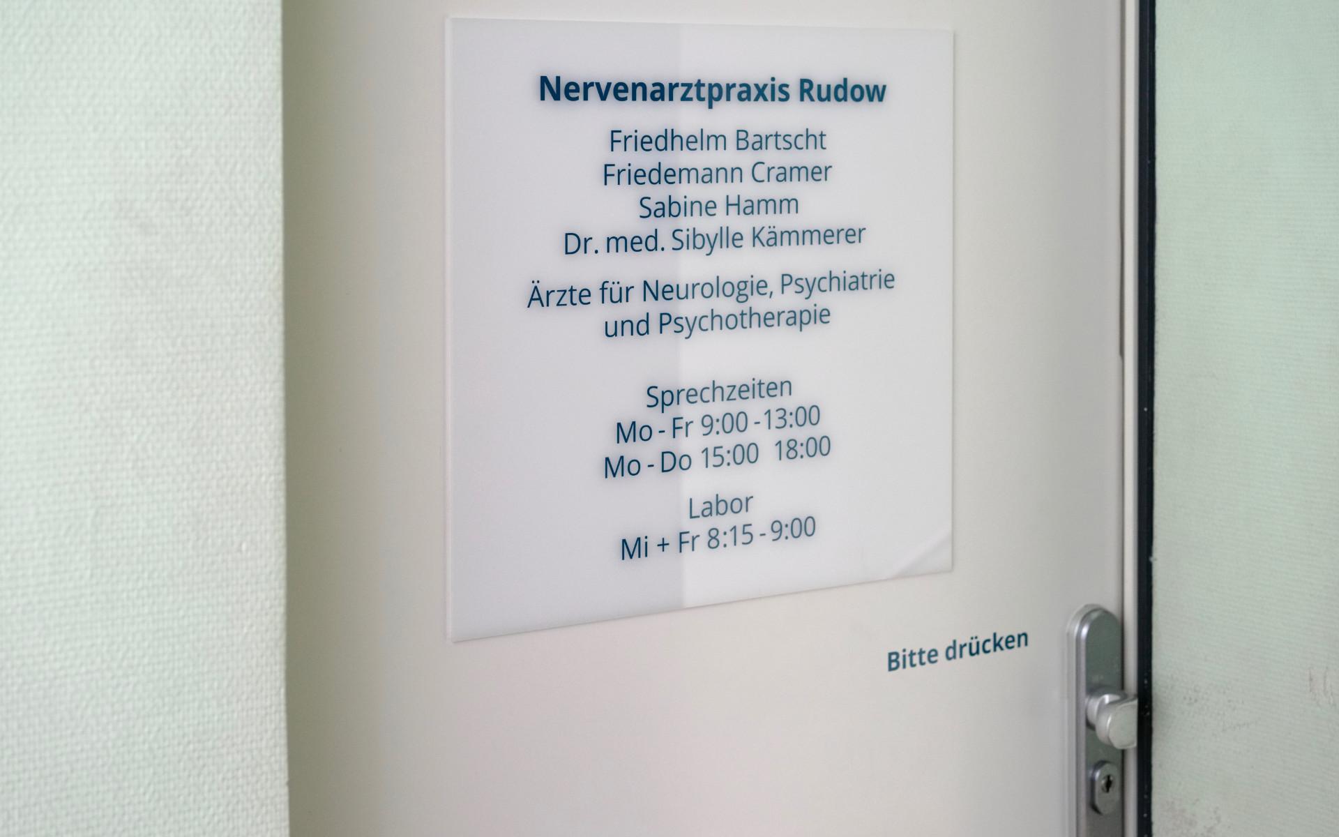 Nervenarztpraxis Wegweissystem Orientierungssystem Arztpraxis