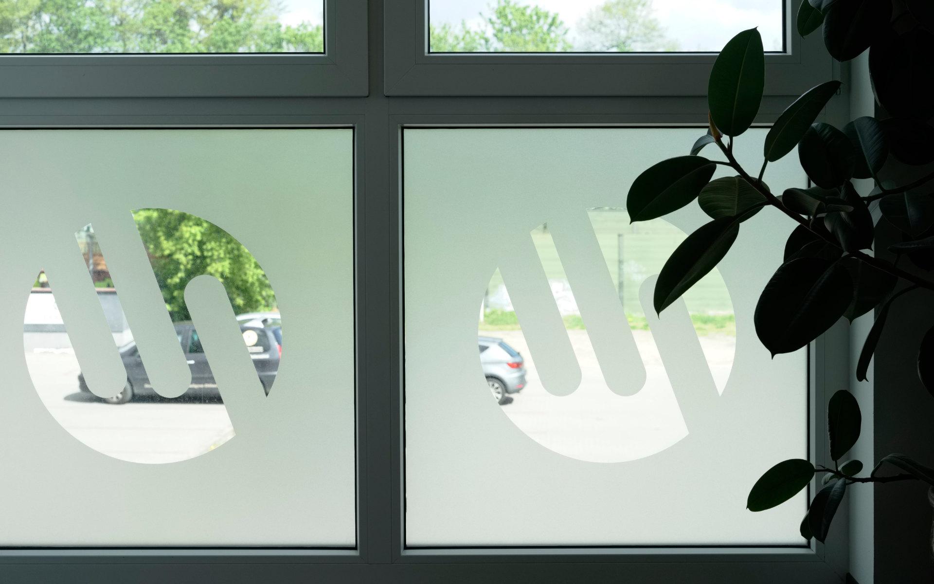 Schuermann Sichtschutz Beschilderung Leitsystem Wegweissystem Dallgow