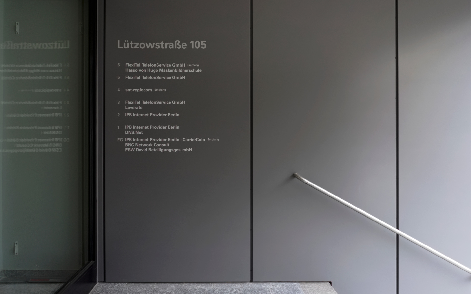 Mieteruebersicht Buerohaus Beschilderung Leitsystem Design Berlin