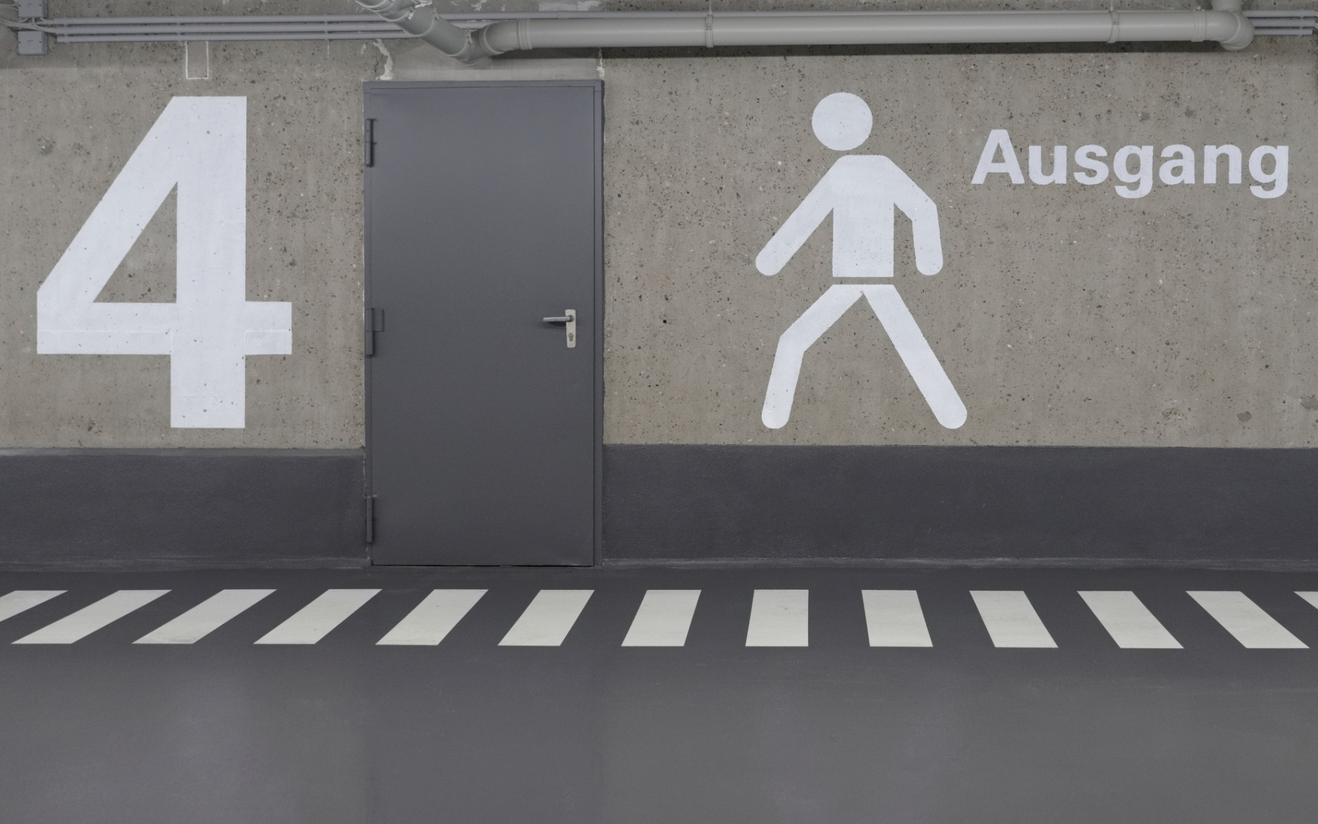 Parkgarage Beschriftung Schilder Beschilderung Leitsystem Design Berlin