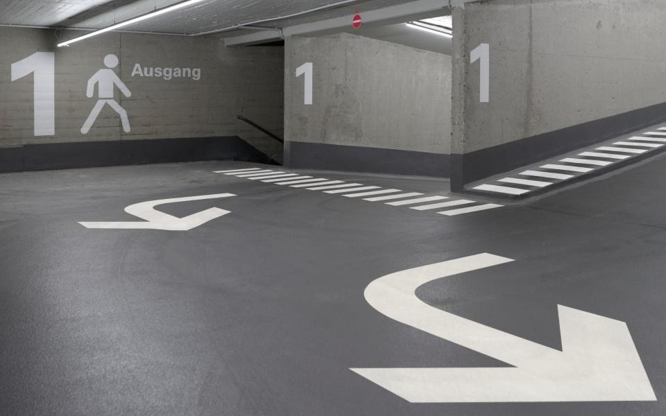 Parkhausbeschriftung Beschilderung Leitsystem Design Berlin