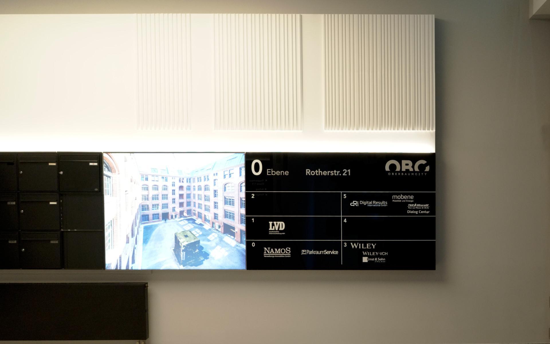 Oberbaumcity Mieteruebersicht Lobby Beschilderung Leitsystem Design Berlin UV2